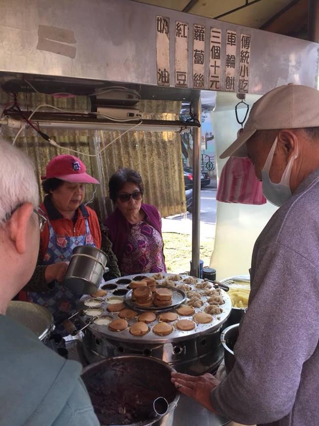 【小確幸】佛心車輪餅3個10元 網友:用新台幣教訓它 | 華視新聞