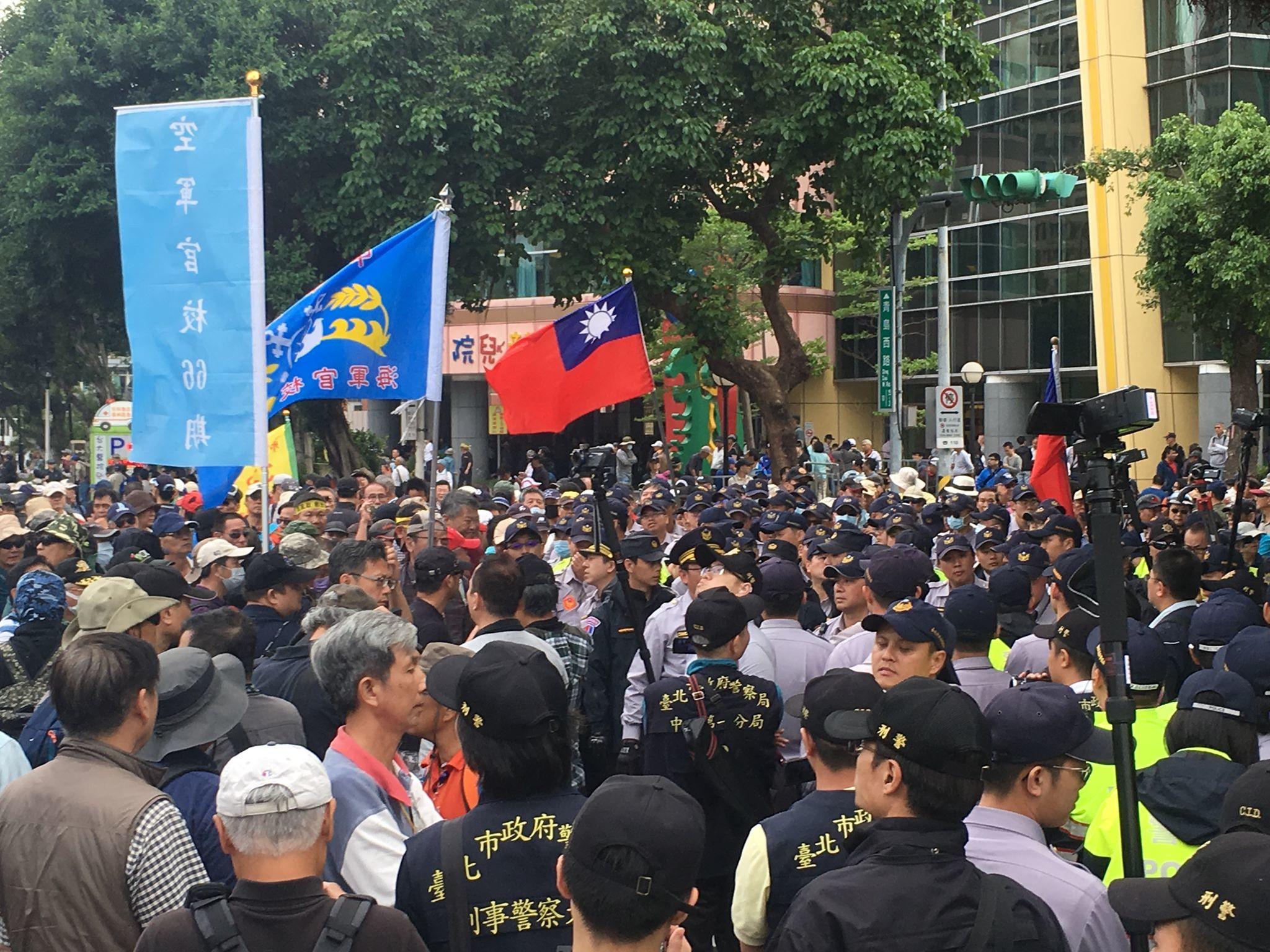 800壯士暴力毆打記者 媒體工會聲明「強力譴責」