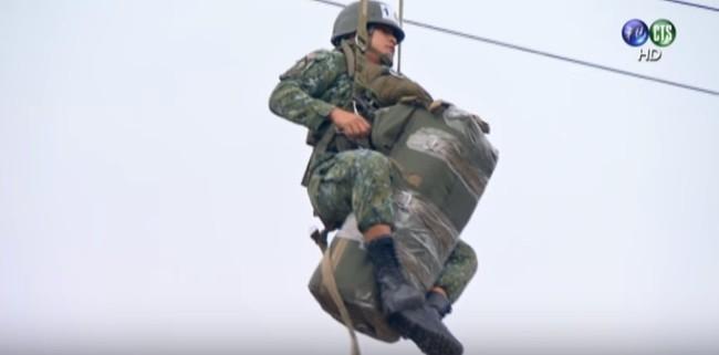 航特部保傘連 幕後傘兵「跳傘」大公開 | 華視新聞