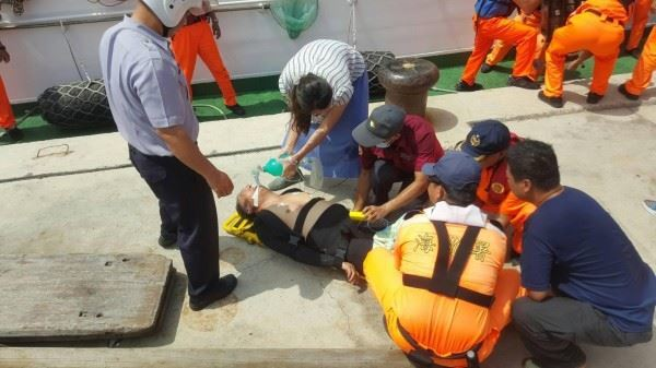 救溺未穿制服小隊長將遭懲處 溺水者妻寫信求情