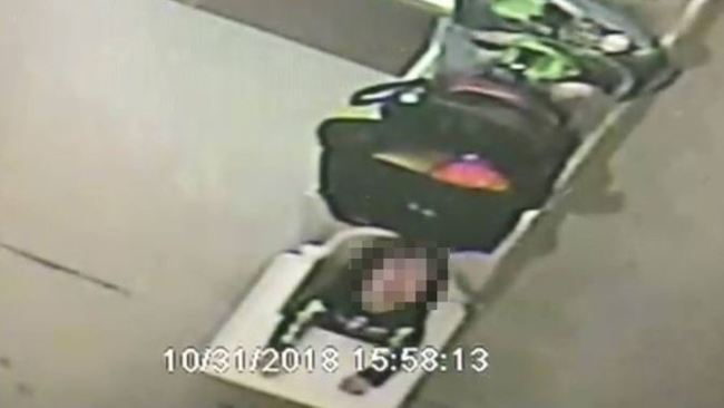 虐童頻傳! 台中托育中心將女童「綁椅3小時」 | 華視新聞
