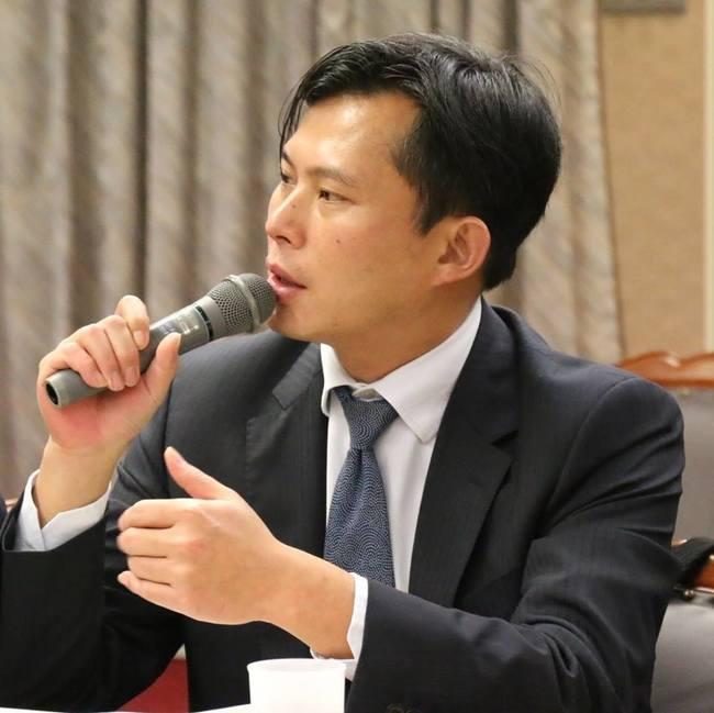 辭時力黨主席? 黃國昌深夜PO文「卸下黨務」   華視新聞