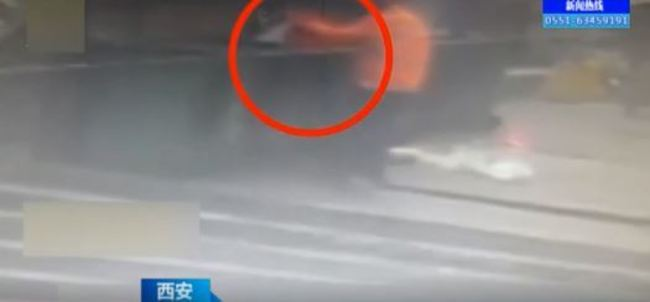 狠心父母!中國西安垃圾桶驚見一對龍鳳胎   華視新聞
