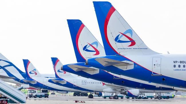 震驚!俄國登機梯秒崩塌 公司拒承擔賠償責任 | 華視新聞