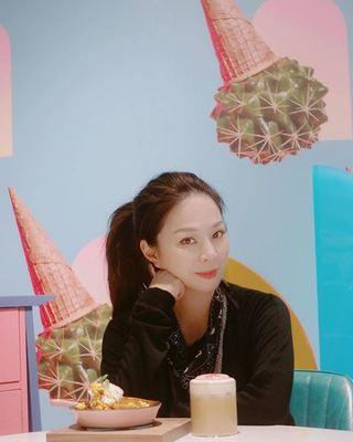名媛楊秀蓉44歲生日 爆離婚「想找新對象」