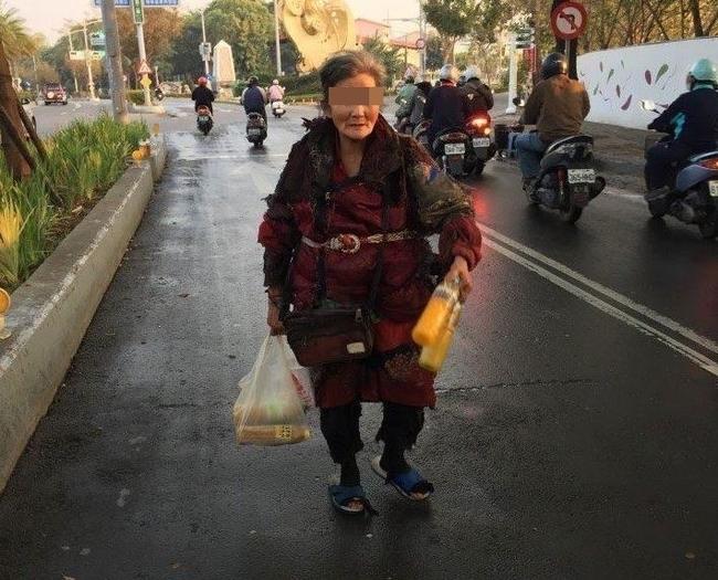 鳳山水果妹 路口賣手工果汁讓人嚇壞 | 華視新聞
