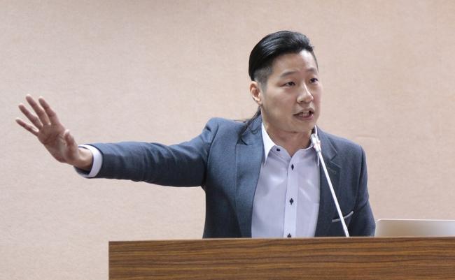 藍綠都支持! 林昶佐擬推「同性婚姻平等保障法」 | 華視新聞