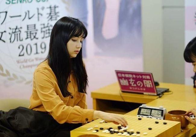 「千年僅一人美女棋士」 黑嘉嘉日本爆紅 | 華視新聞