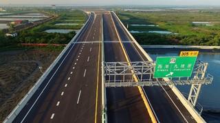 蓋了30年!西濱快速公路預計今年底全線通車