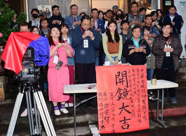 「我覺得媽不在了」 《寸尺》導演談長者失智籲「愛要及時」 | 華視新聞