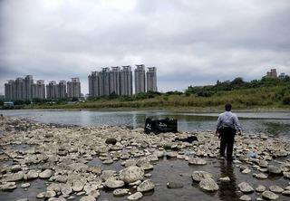 驚悚!新北碧潭橋下釣魚 拉起竟是女浮屍