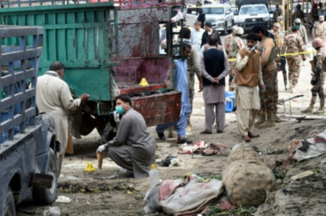 巴基斯坦果菜市場驚傳炸彈攻擊 至少20死48傷 | 華視新聞
