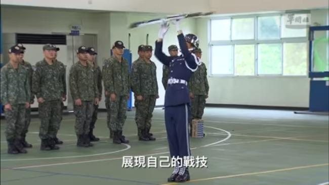 空軍下士赴美參加儀隊錦標賽 國防部發影片打氣 | 華視新聞