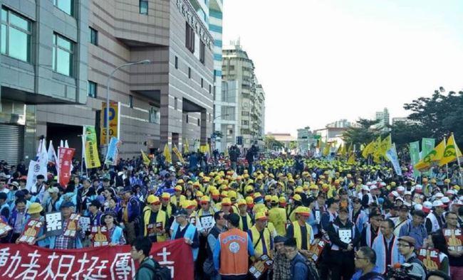 「支持勞工權益」遊行 5/1凱道登場注意交管 | 華視新聞