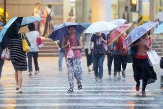 鋒面+南方雲系影響 立夏全台有雨