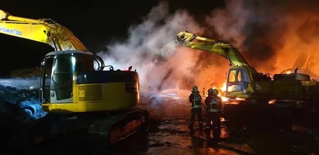后里輪胎廠大火 方圓4km學校停止戶外活動 | 華視新聞