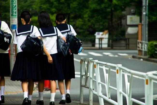 62名國中女同時冒紅疹 竟是「長板凳」惹禍 | 華視新聞