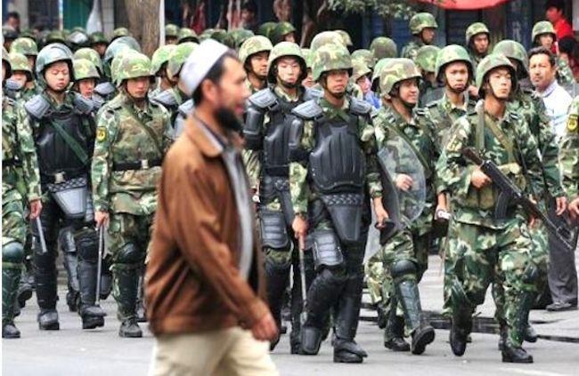 中國打壓新疆母語 實施「語言帝國主義」 | 華視新聞