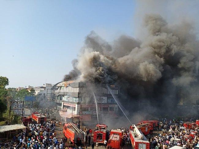 印度蘇拉特培訓中心大火 至少19學生死亡 | 華視新聞