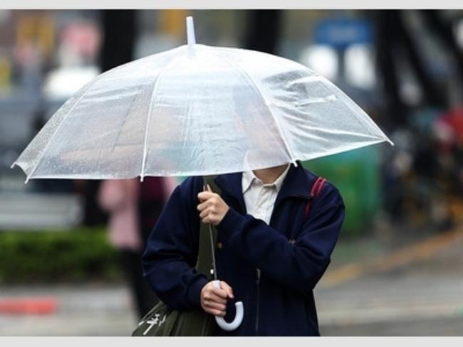 南台灣6縣市雨不停 屏東升級豪雨警報 | 華視新聞