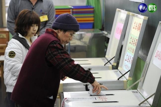 防「邊投邊開」亂象 明年大選擬增1500投票所 | 華視新聞