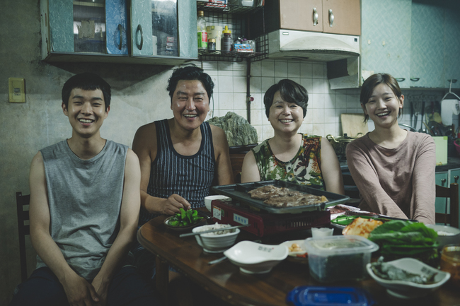 《寄生上流》穩坐韓票房冠軍 11天破700萬人觀影   華視新聞