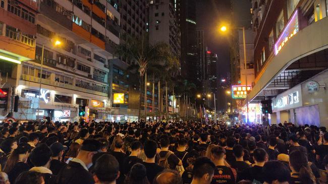 反送中延燒 歌曲「皇后大道東」中國遭下架 | 華視新聞