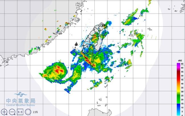 雨炸全台! 19縣市發布豪、大雨特報 | 華視新聞