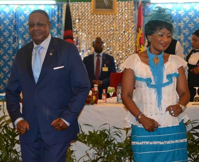 人民窮困靠救濟 馬拉威總統夫人花3百萬公帑探兒 | 華視新聞