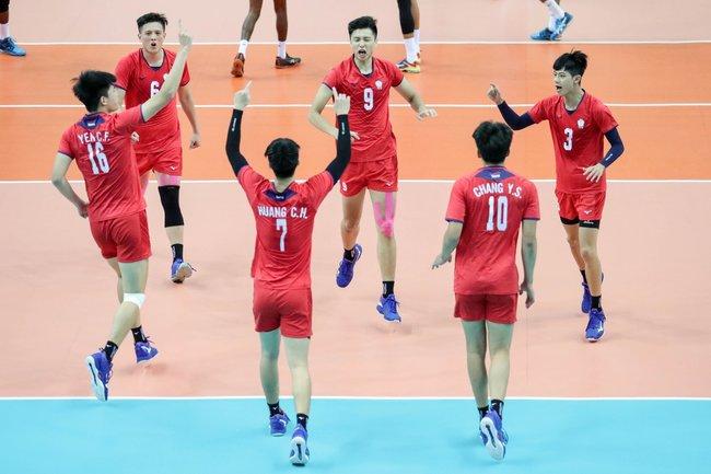 【影】U23排球亞錦賽 中華男排擊退印度奪首冠! | 華視新聞