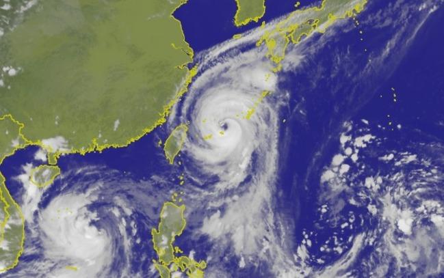 秋颱侵台預測!氣象局:若共伴效應恐挾豪大雨 | 華視新聞