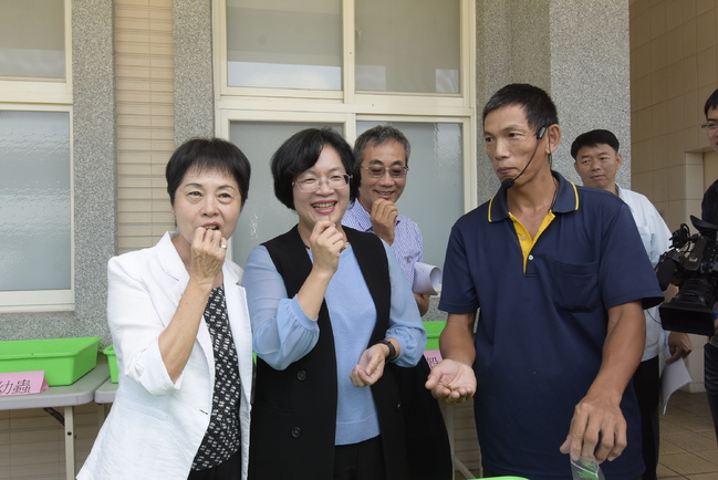 王惠美視察田中鎮 鎮長招待「蟲蟲餐」   華視新聞