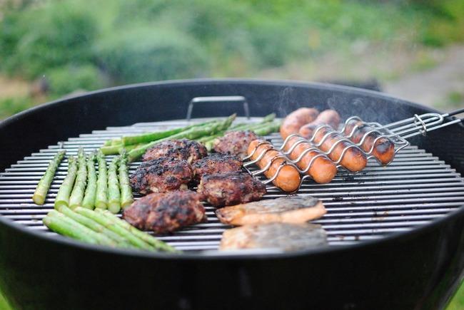 中秋烤肉吃起來!營養師教你「這樣吃」最健康 | 華視新聞
