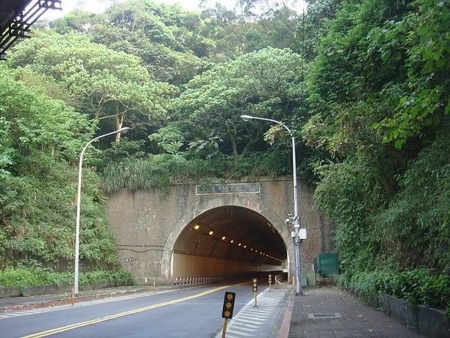用路人注意!北市8座隧道9/18起進行照明更新 | 華視新聞
