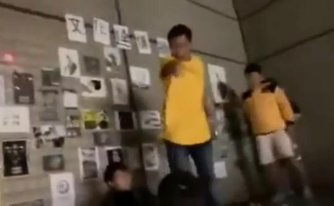 文大深夜爆衝突 女港生被推落平台   華視新聞
