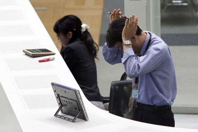 調查:8成上班族不滿任職企業 最氣薪資低、氣氛差   華視新聞