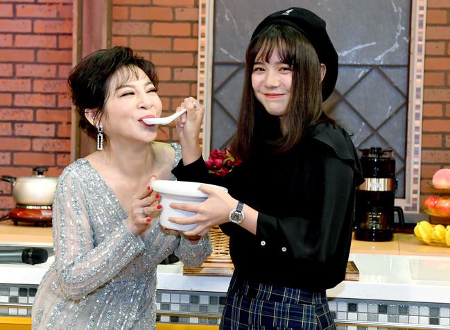 王彩樺《女王當家》28日Live首播 女兒親自送魚湯幫媽補身體 | 華視新聞