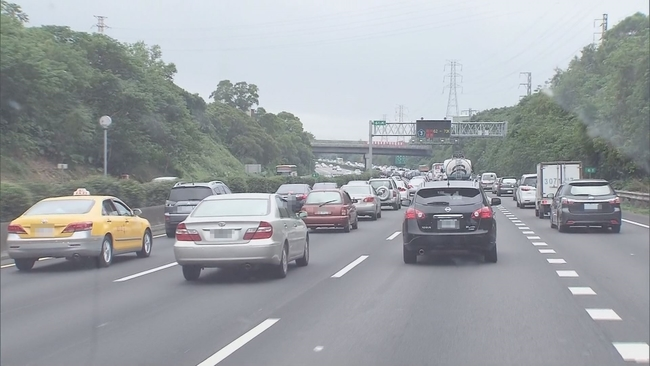 8項交通新制元旦上路 超跑拖吊費最高2萬元 | 華視新聞