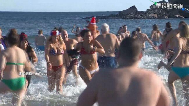 冰桶挑戰發起人辭世 上千人跳水紀念 | 華視新聞