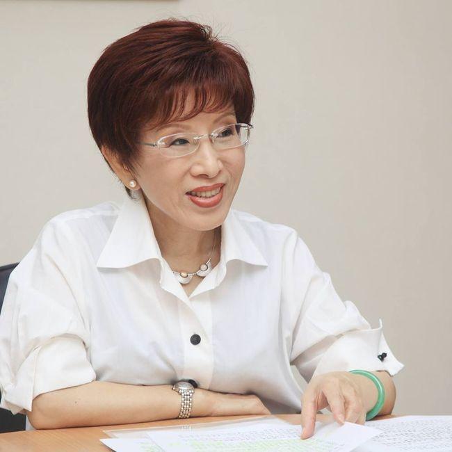 立委》出征失敗 台南第六選區洪秀柱宣布敗選 | 華視新聞