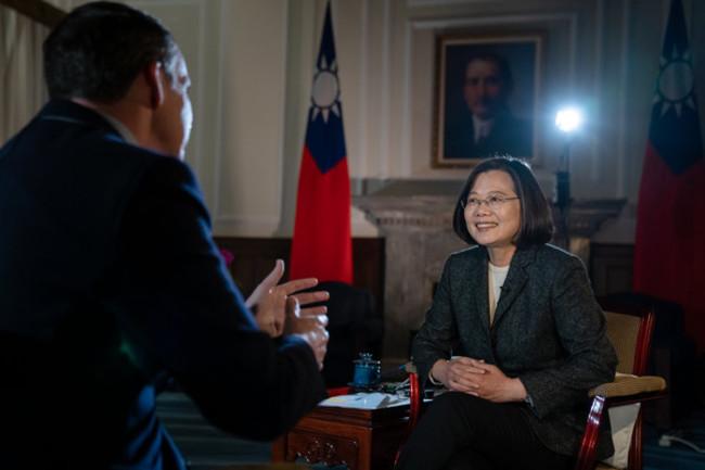 蔡英文遭控「改國號」 總統府拿馬任內照片反擊 | 華視新聞