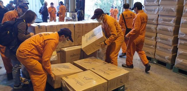 高雄關查獲一貨櫃未稅私菸 市價高達3000萬元   華視新聞
