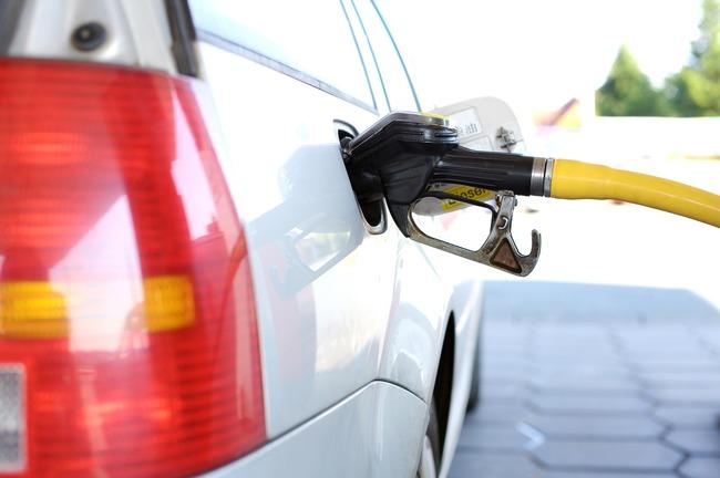 加油再等等!下週汽油再降1.3元 「92無鉛」每公升僅19元 | 華視新聞