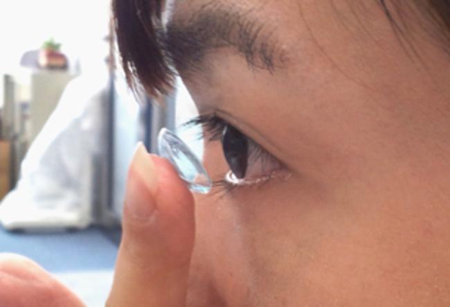 隱形眼鏡增感染風險!? 專家籲換回鏡框眼鏡   華視新聞