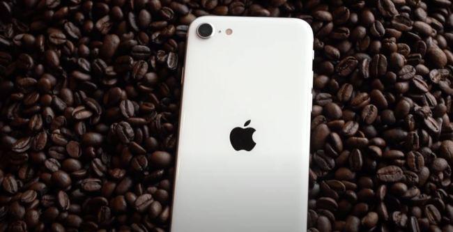 iPhone SE 開賣在即!專家搶先評測狂讚這幾點 | 華視新聞