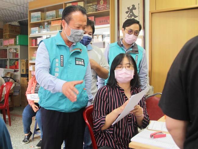 嘉義縣開第一槍 宣布即日起「不強制戴口罩」   華視新聞