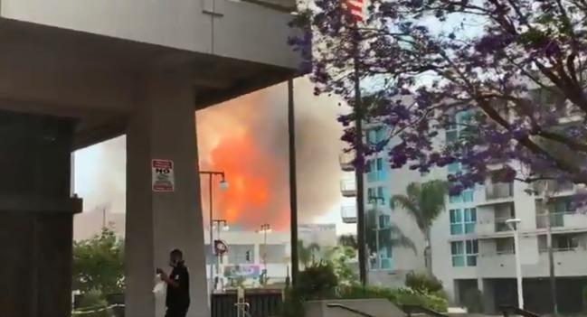 洛杉磯市區傳爆炸多棟建築物起火 至少11名消防員傷 | 華視新聞