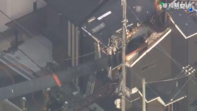 嚇! 大阪起重機吊臂翻 砸穿民宅屋頂   華視新聞