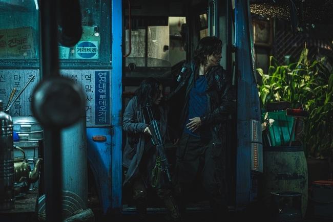 《屍速2》搶先全球上映! 跨夜馬拉松一次看完1-2集 | 華視新聞