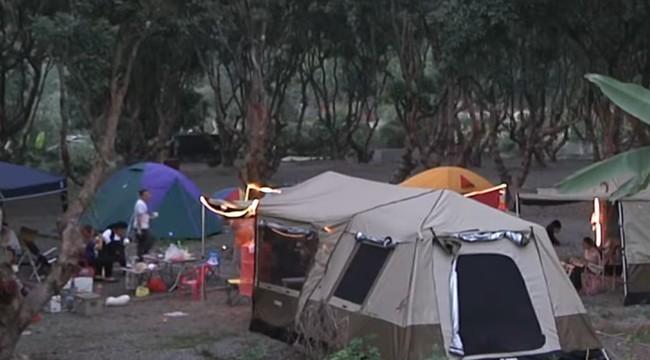 國小師栽進營火燒傷毀容 路人惡毒嗆:殭屍 | 華視新聞